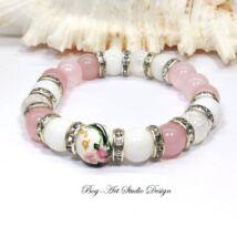 Exkluzív Rózsakvarc karkötő Hegyikristály és Jáde gyöngyökkel porcelán medállal