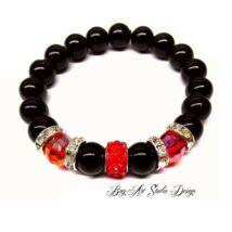 Bog-Art Studio - Fekete gyöngy karkötő piros kristályokkal és csillogó medállal