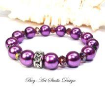 Gyöngy karkötő - Lila gyöngyök kristályokkal ezüst medállal