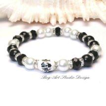 Bog-Art Stúdió - Gyöngy karkötő - 8-as gyöngyök fekete fehérrel és kristályokkal