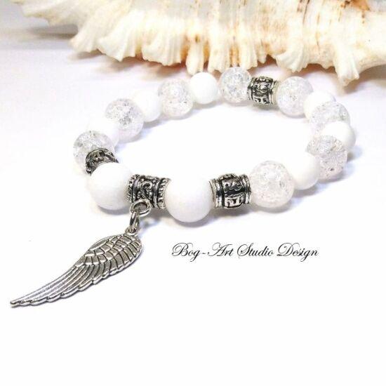 Hegyikristály karkötő Jáde gyöngyökkel és angyalszárnnyal