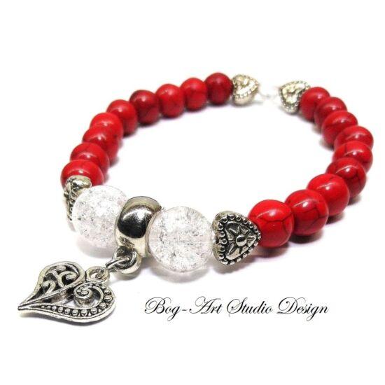 Howlit karkötő Hegyikristály gyöngyökkel és szív medállal