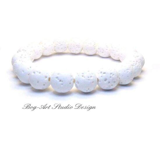 Méregtelenítő, serkentő és egyben nyugtató hatású, aromaterápiához ajánlott Lávakő karkötő fehér