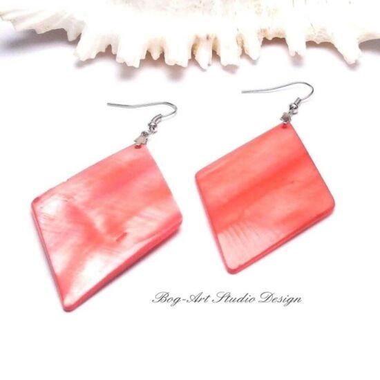 Kagyló fülbevaló - piros rombusz