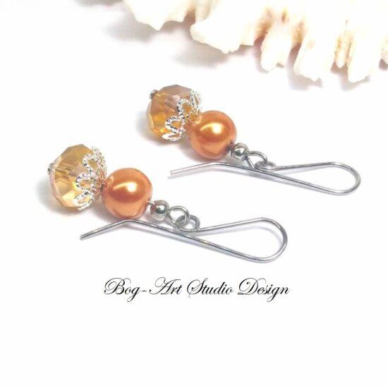 Gyöngy fülbevaló - gyöngy kristállyal arany színben