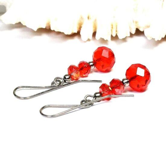 Gyöngy fülbevaló - 3 szem piros kristály pici gyönggyel