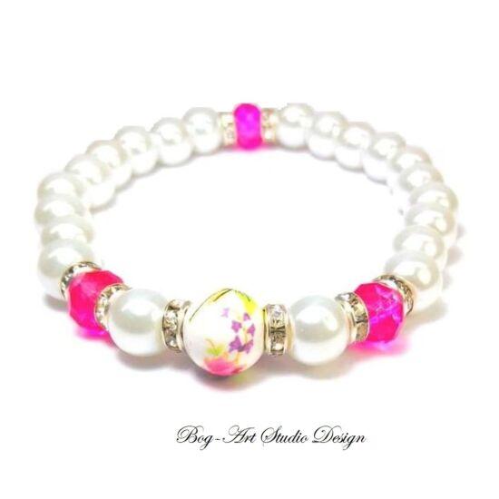 Gyöngy Karkötő - fehér gyöngyök pink és porcelán köztesekkel