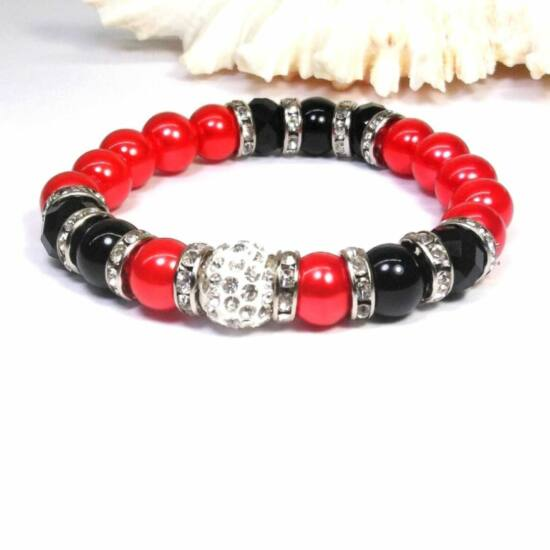 Gyöngy karkötő piros színben feketével és kristállyal
