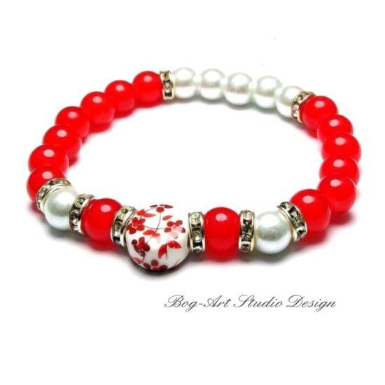 Gyöngy karkötő - 8 mm-es piros és fehér gyöngyök porcelán medállal