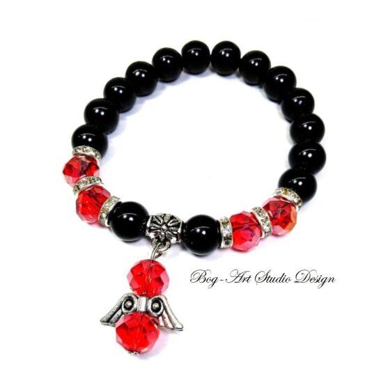 Gyögy Karkötő - fekete 10 mm-es gyöngyökből piros kritályokkal angyalka medállal
