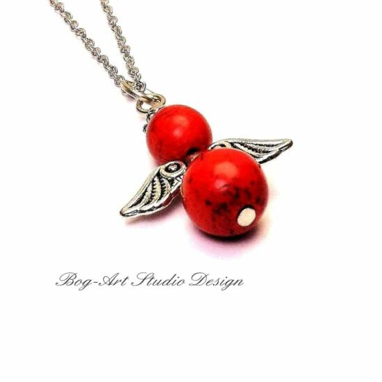 Tüzes angyal - Piros Howlit ásvány medál