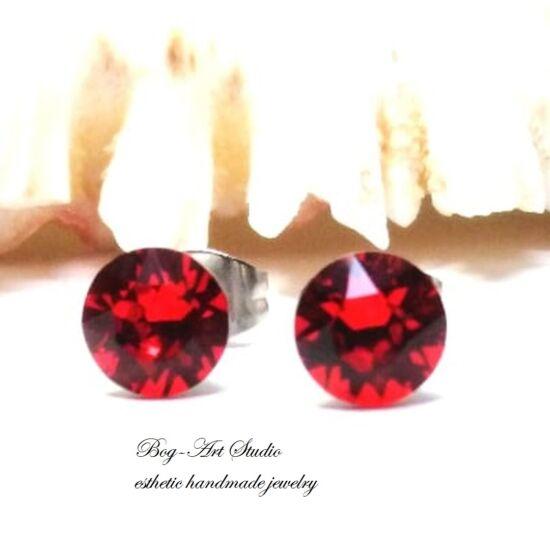 Ausztria gyöngy beszúrós fülbevaló gyémánt alakú kövekből - 6 mm - LIGHT SIAM
