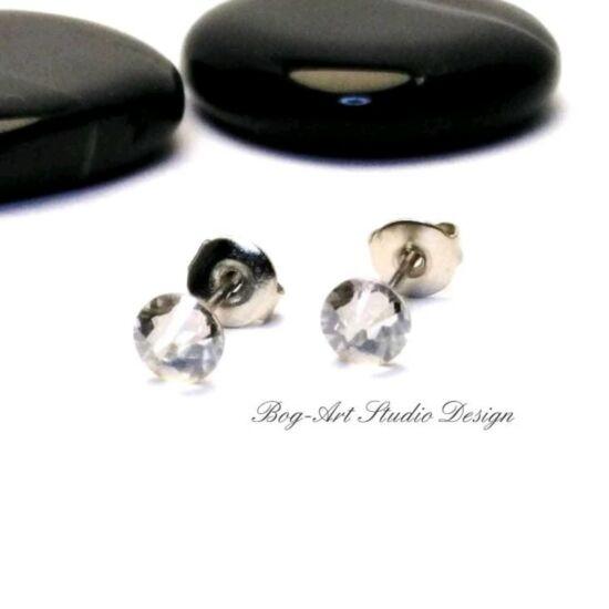 Ausztria gyöngy pötty fülbevaló - 3 mm-es - Crystal