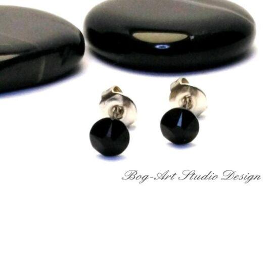 Ausztria gyöngy pötty fülbevaló - 3 mm-es - fekete